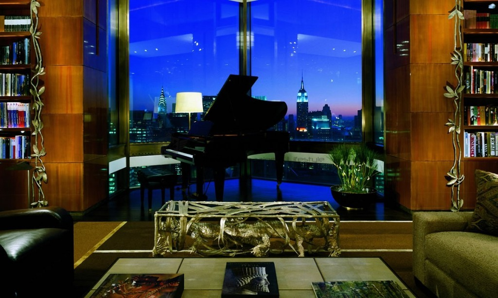 Four_Seasons_Hotel_New_York_Exterior_Ty_Warner_Penthouse