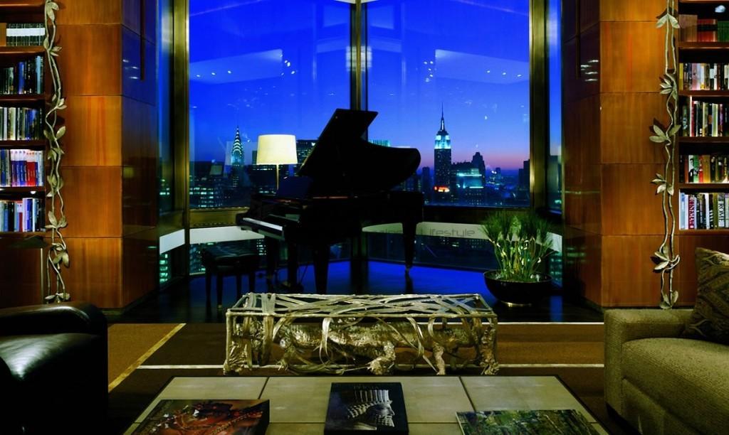 Four_Seasons_Hotel_New_York_Exterior_Ty_Warner_Penthouse