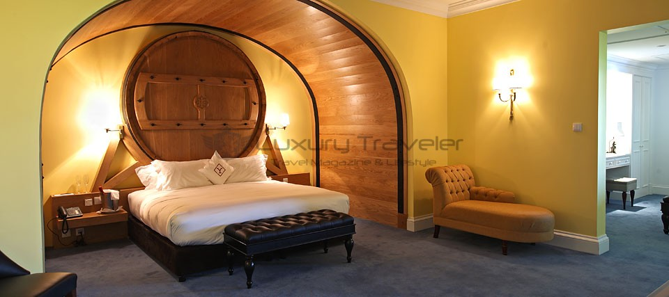 The_Yeatman_Hotel_Luxury_Portugal_Master_Suite_Wine