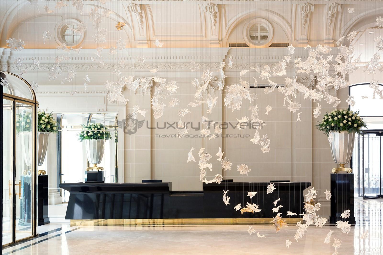 The-Peninsula-Paris-Hotel-Reception