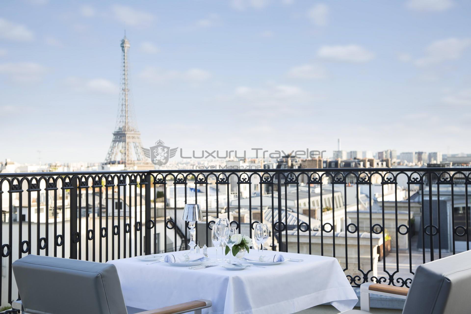 The-Peninsula-Paris-Hotel-Terrace_Breakfast