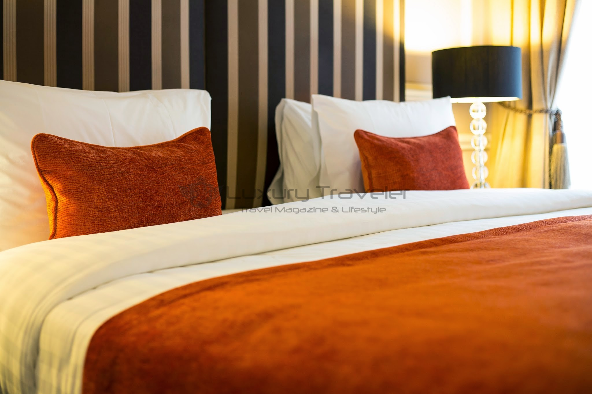 Montagu_Place_Hotel_London_Swanky_Bed