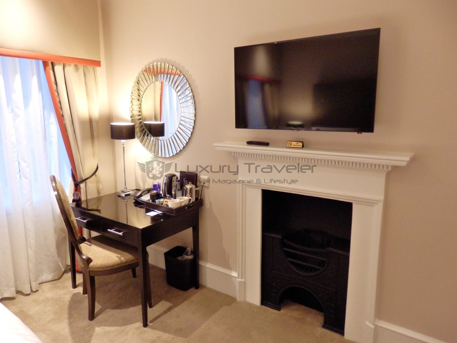 Montagu_Place_Hotel_London_Swanky_Fireplace