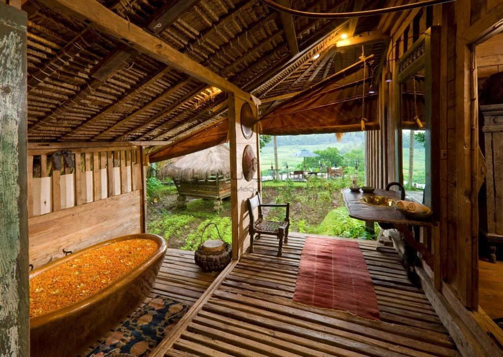 Bambu-Indah-Afrika-House-bathroom-Ubud-Bali