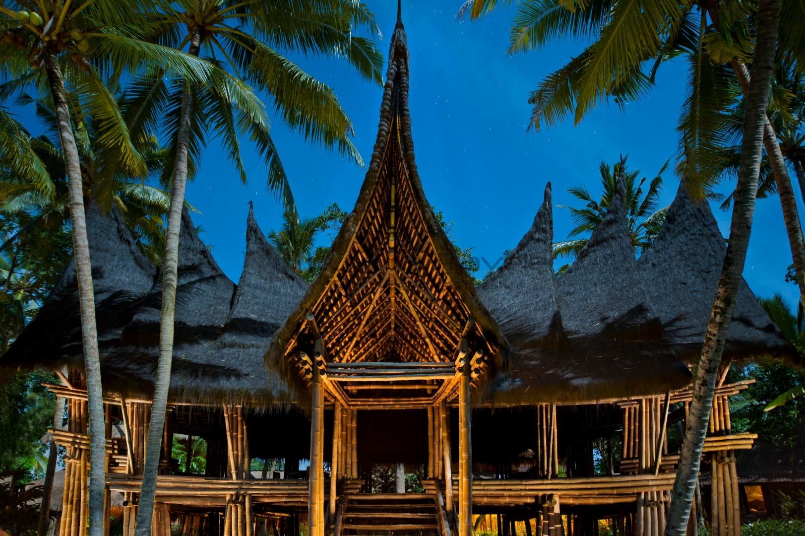 Bambu-Indah-Minang-House-night-ubud-bali