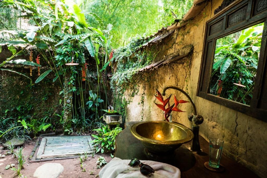 Bambu-Indah-Orin-House-bathroom-Ubud-Bali