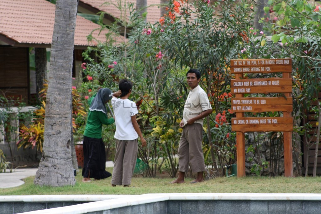 kokotinos-sekotong-lombok-staff