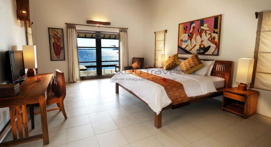 kokotinos-sekotong-lombok-water-edge-room