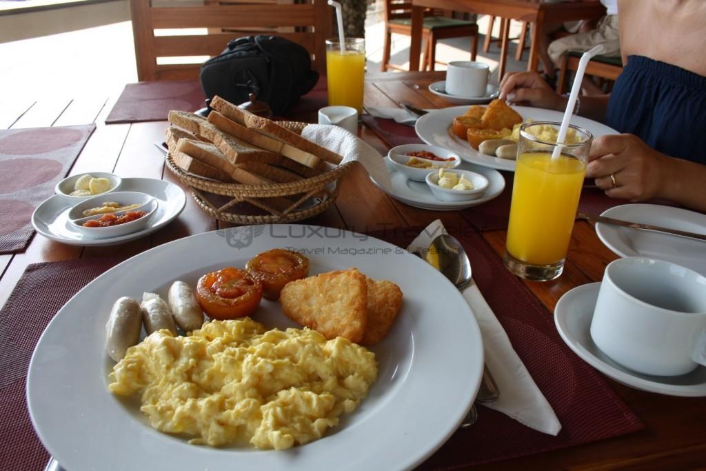 kokotinos-sekotong-lombok-breakfast