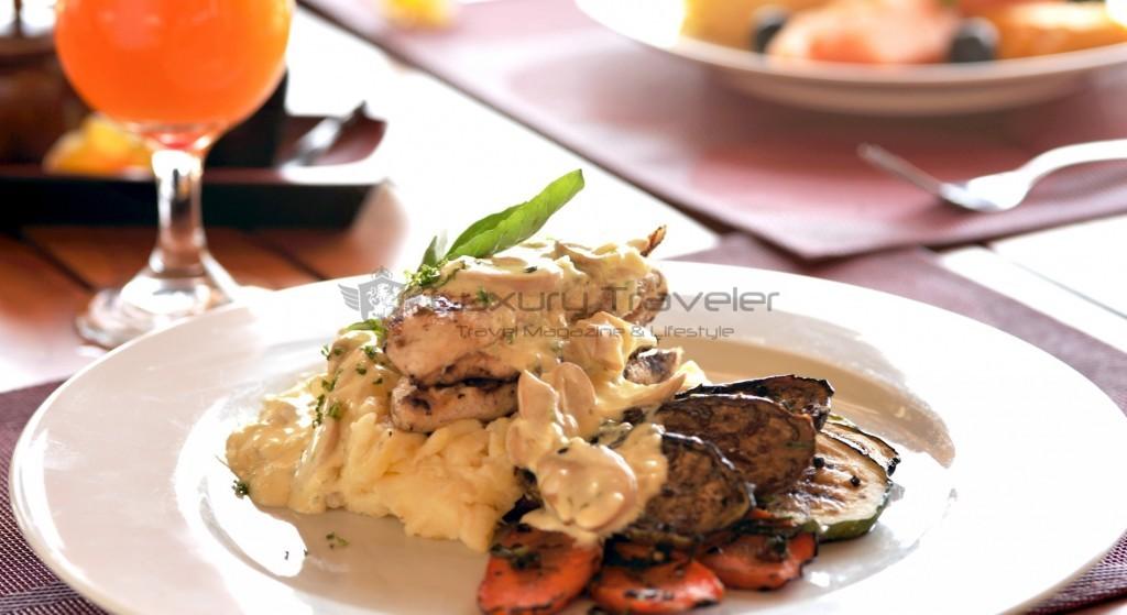 kokotinos-sekotong-lombok-restaurant-food