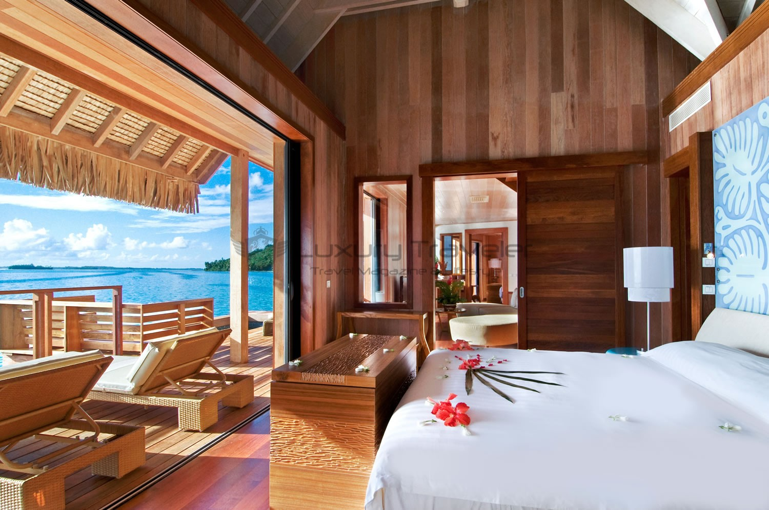 Luxury hilton bora bora nui resort french polynesia for Motel luxury