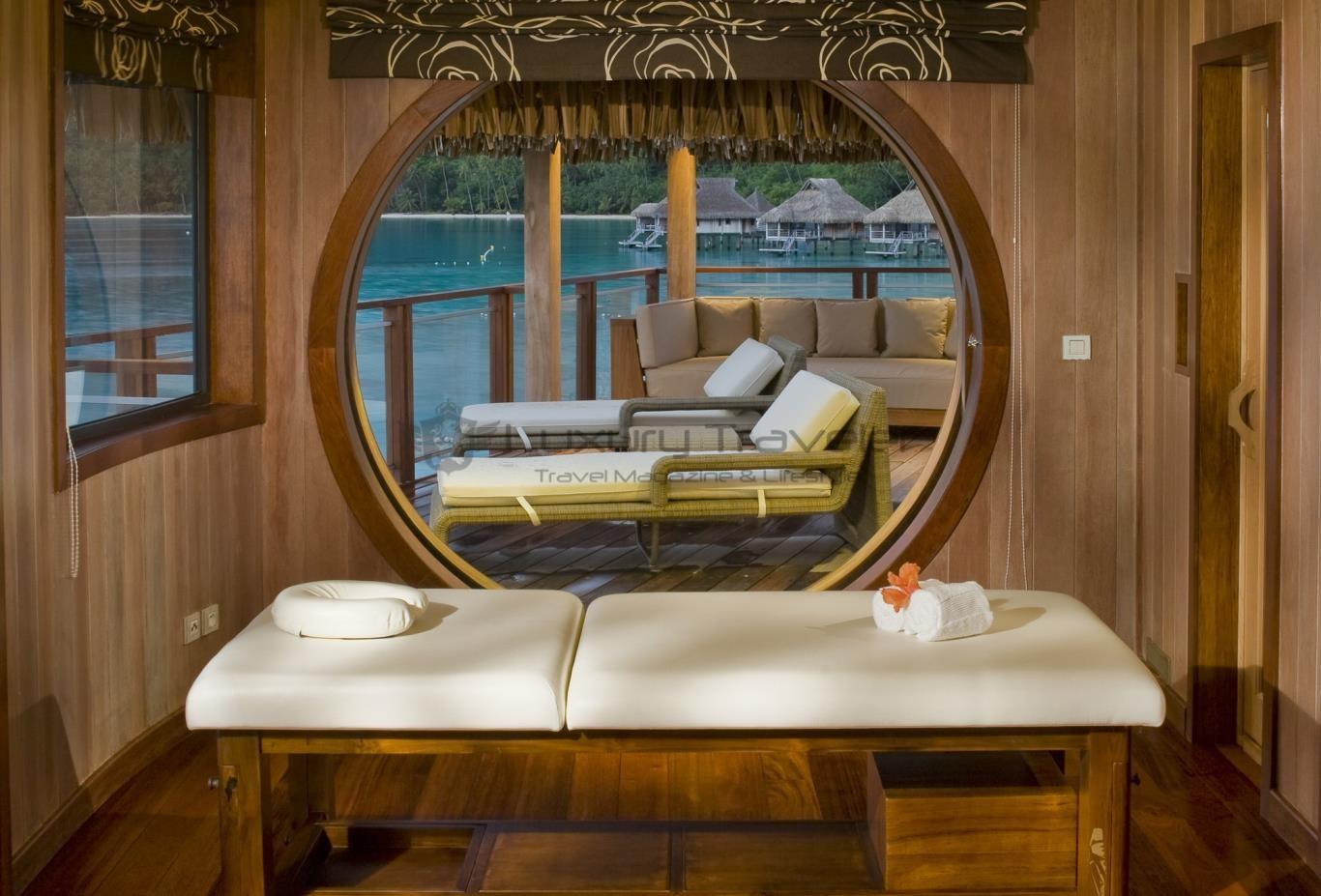 Hilton_Nui_Bora_Bora_Spa_Massage