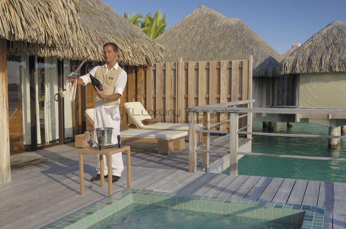 st-regis-bora-bora-butler-resort-luxury-french-polynesia