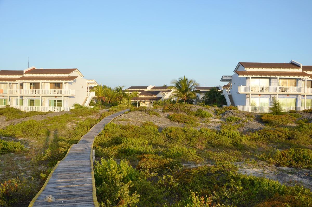 Cuba cayo largo sol melia luxury resort luxury traveler for Melia hotel
