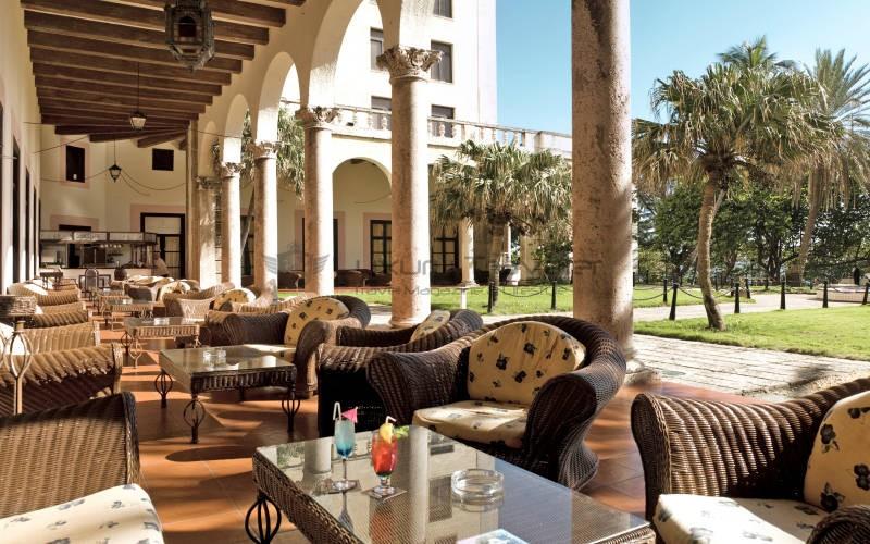Hotel_Nacional_de_Cuba_Havana_Exterior_Lounge