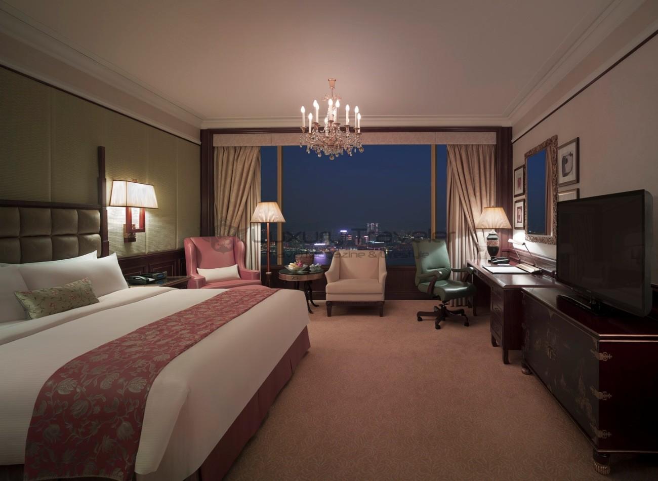 Island_Shangri-La_Hotel_Hong_Kong_Deluxe_Room