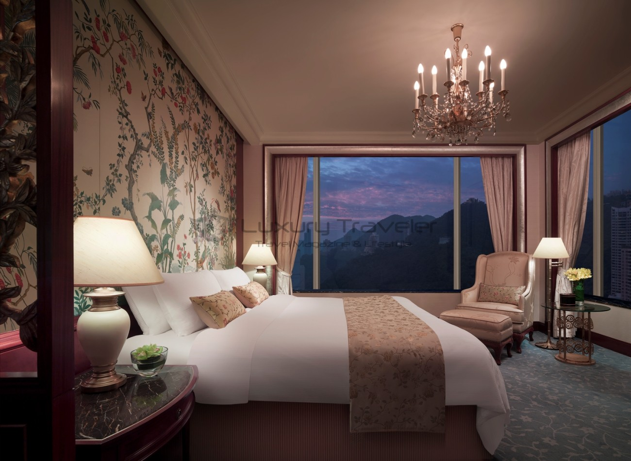 Island_Shangri-La_Hotel_Hong_Kong_Suite_Bedroom