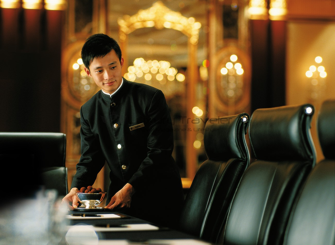 Island_Shangri-La_Hotel_Hong_Kong_Concierge_Staff