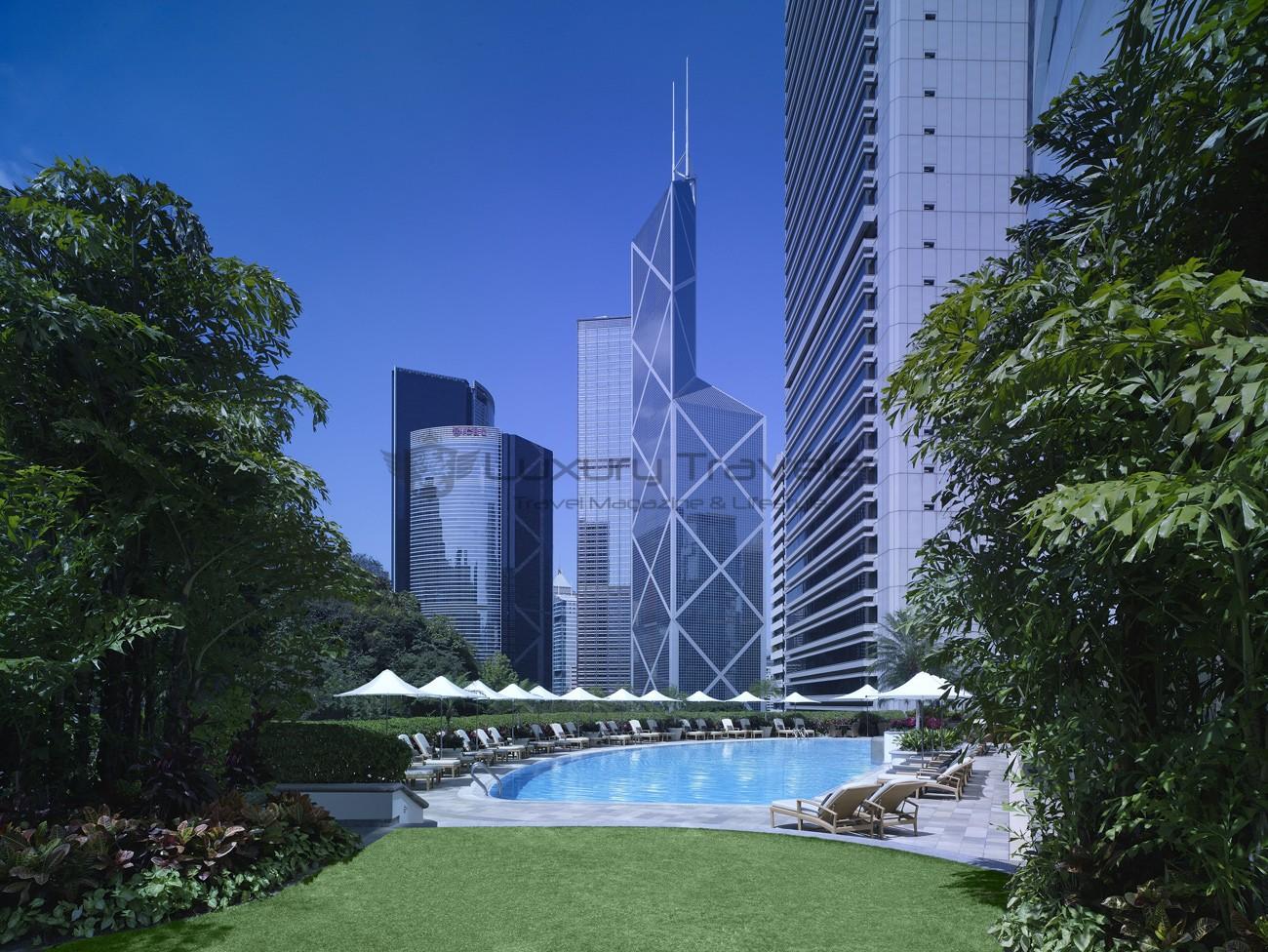 Island_Shangri-La_Hotel_Hong_Kong_Swimming_Pool