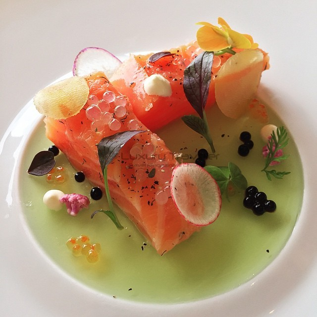 Island_Shangri-La_Hotel_Hong_Kong_Restaurant-Gourmet