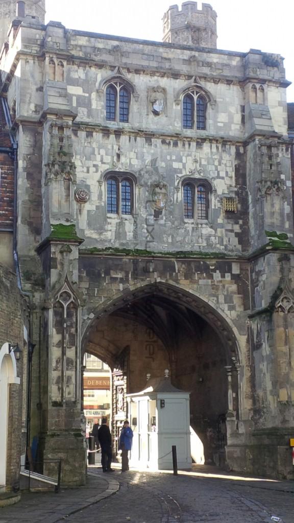 Leeds_Castle_Kent_Maidstone_Guard_Securitycheck