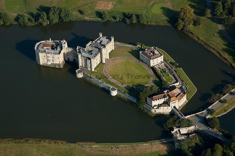 Leeds_Castle_kent_aerial_view