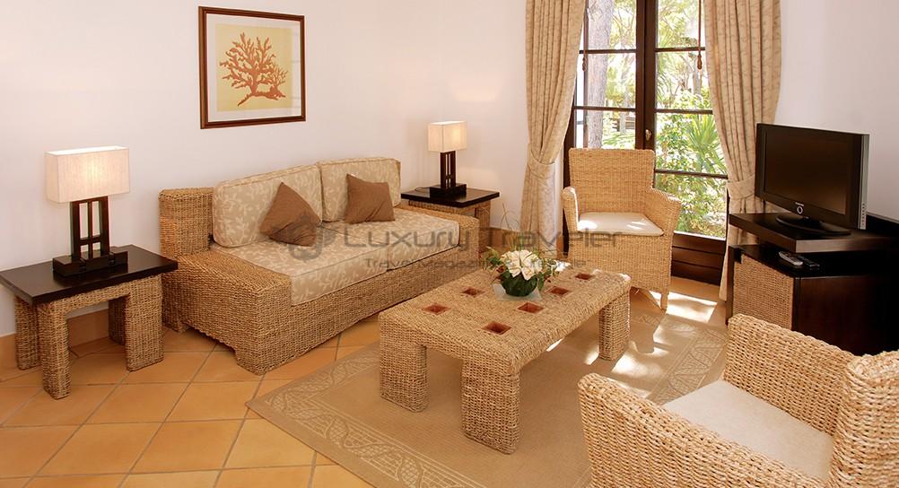 Sheraton_Pine_Cliffs_Algarve_LivingRoom_Hotel