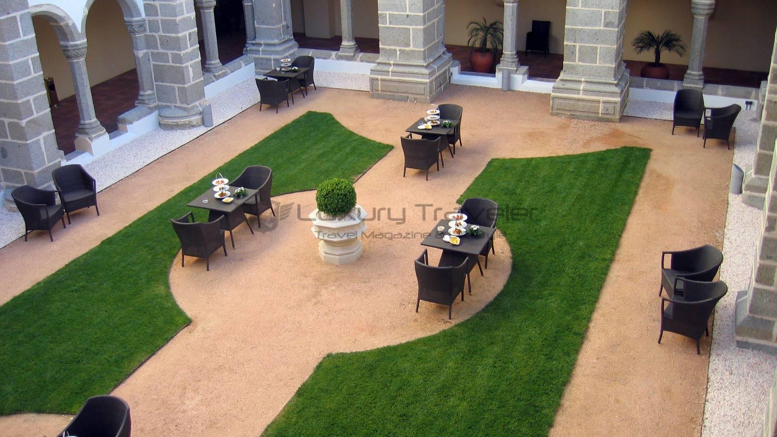 Convento_Espinheiro_Hotel_Evora_Starwood_Cloisters