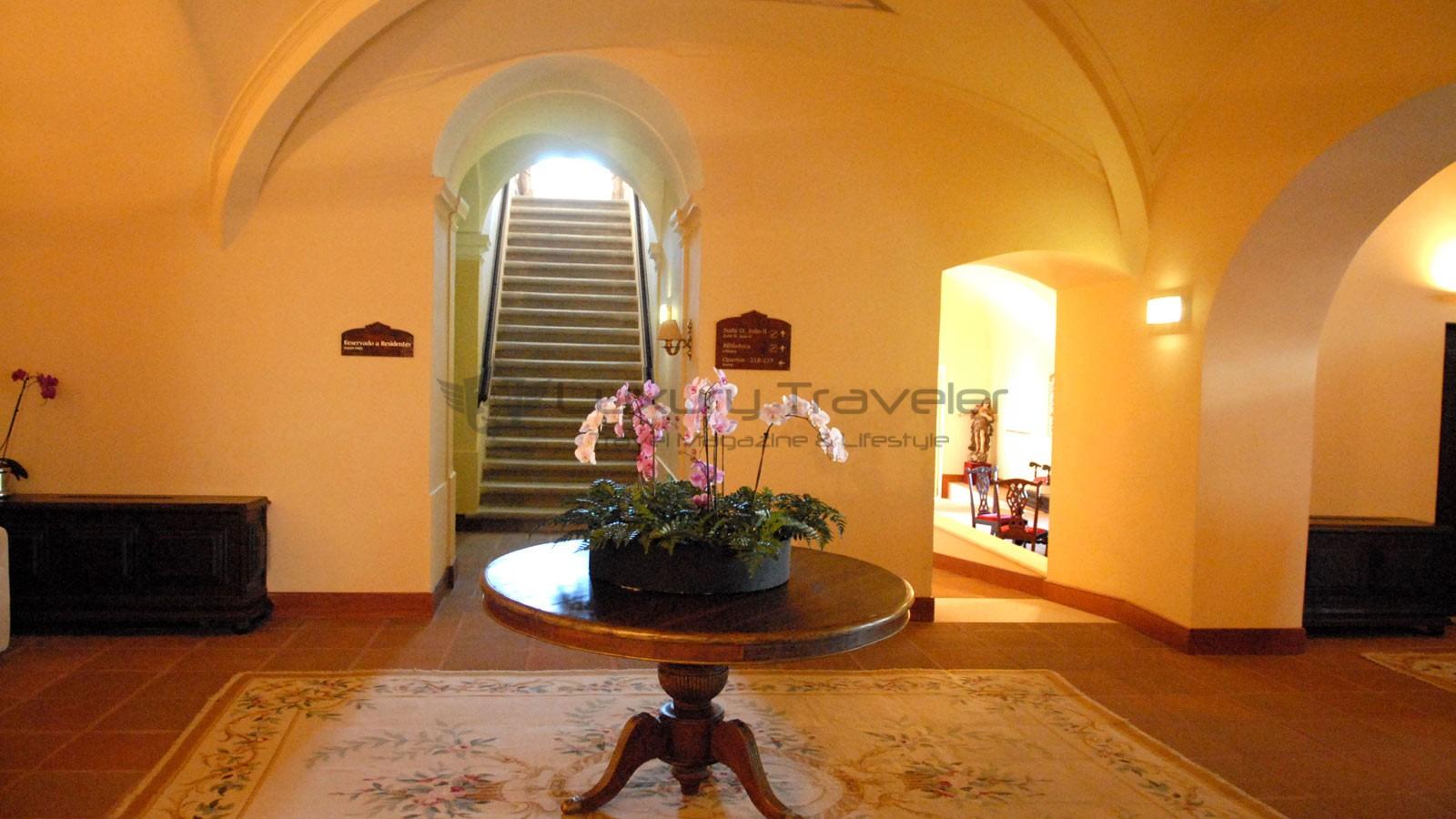 Convento_Espinheiro_Hotel_Evora_Starwood_Entrance_Convent