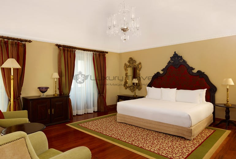 Convento_Espinheiro_Hotel_Evora_Starwood_Deluxe_Suite