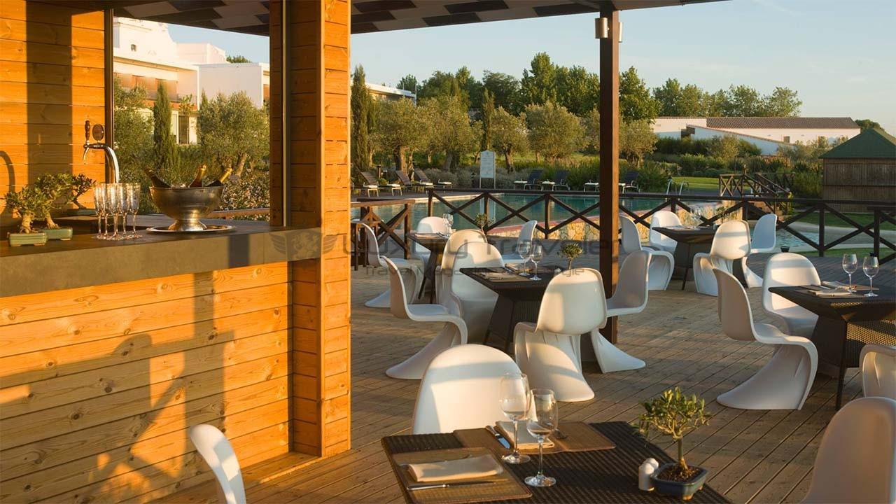 Convento_Espinheiro_Hotel_Evora_Starwood_Pool_Bar