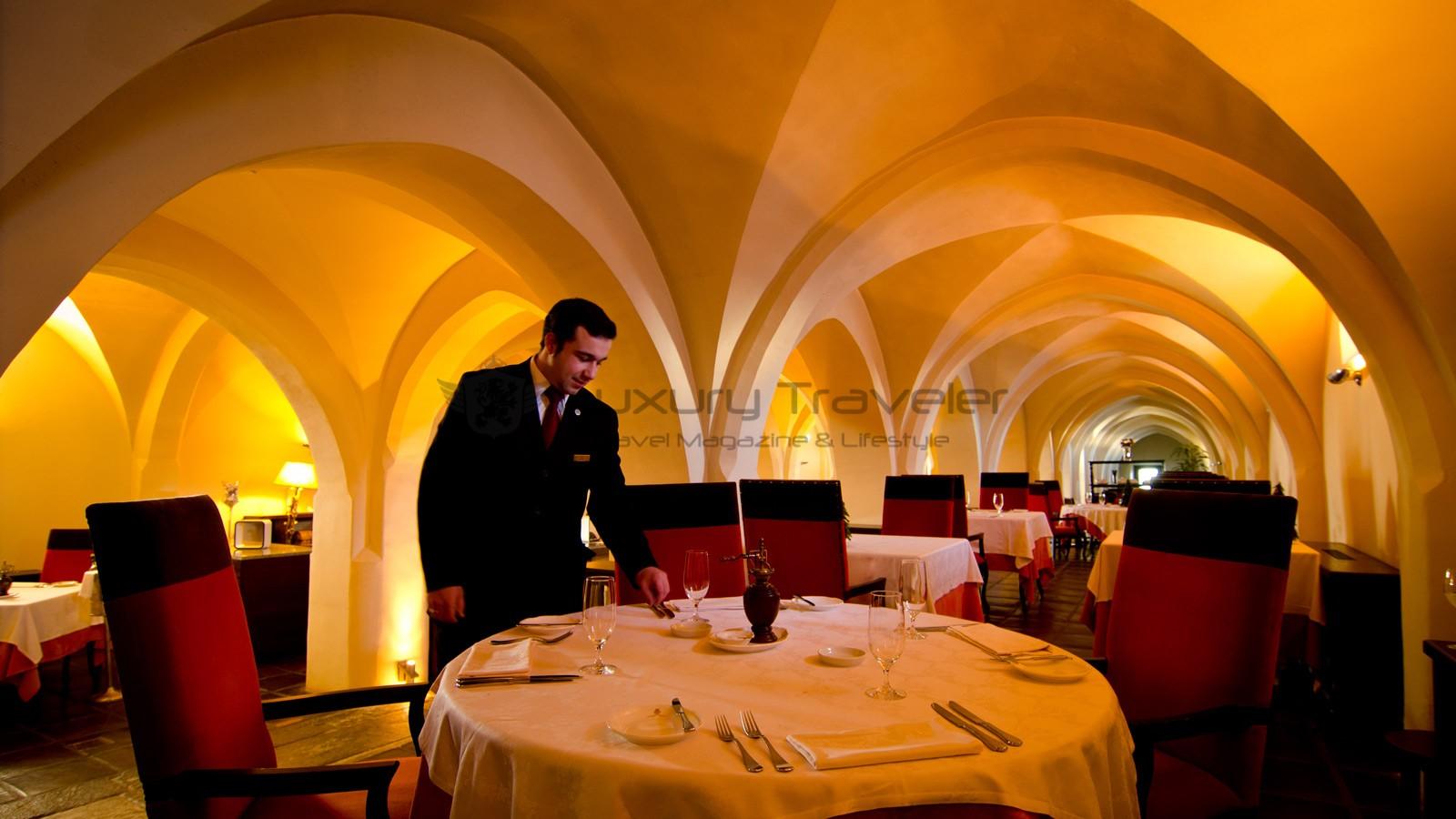 Convento_Espinheiro_Hotel_Evora_Starwood_Restaurant_Divinus