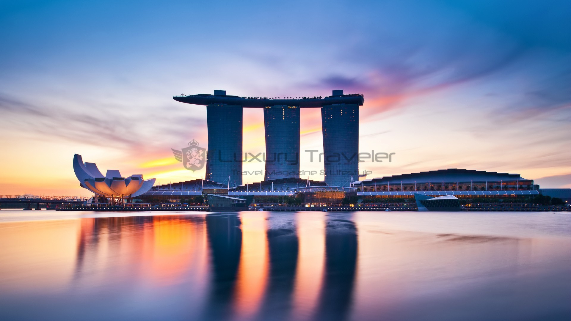 Marina bay sands singapore outstanding luxury hotel for Most luxurious hotel in singapore