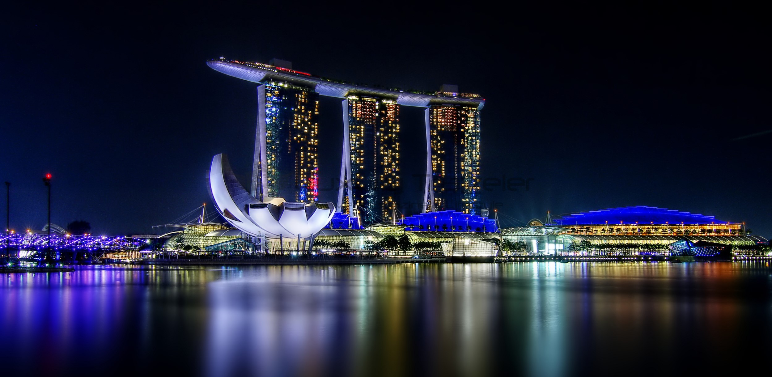 marina-bay-sands-singapore-overlooking