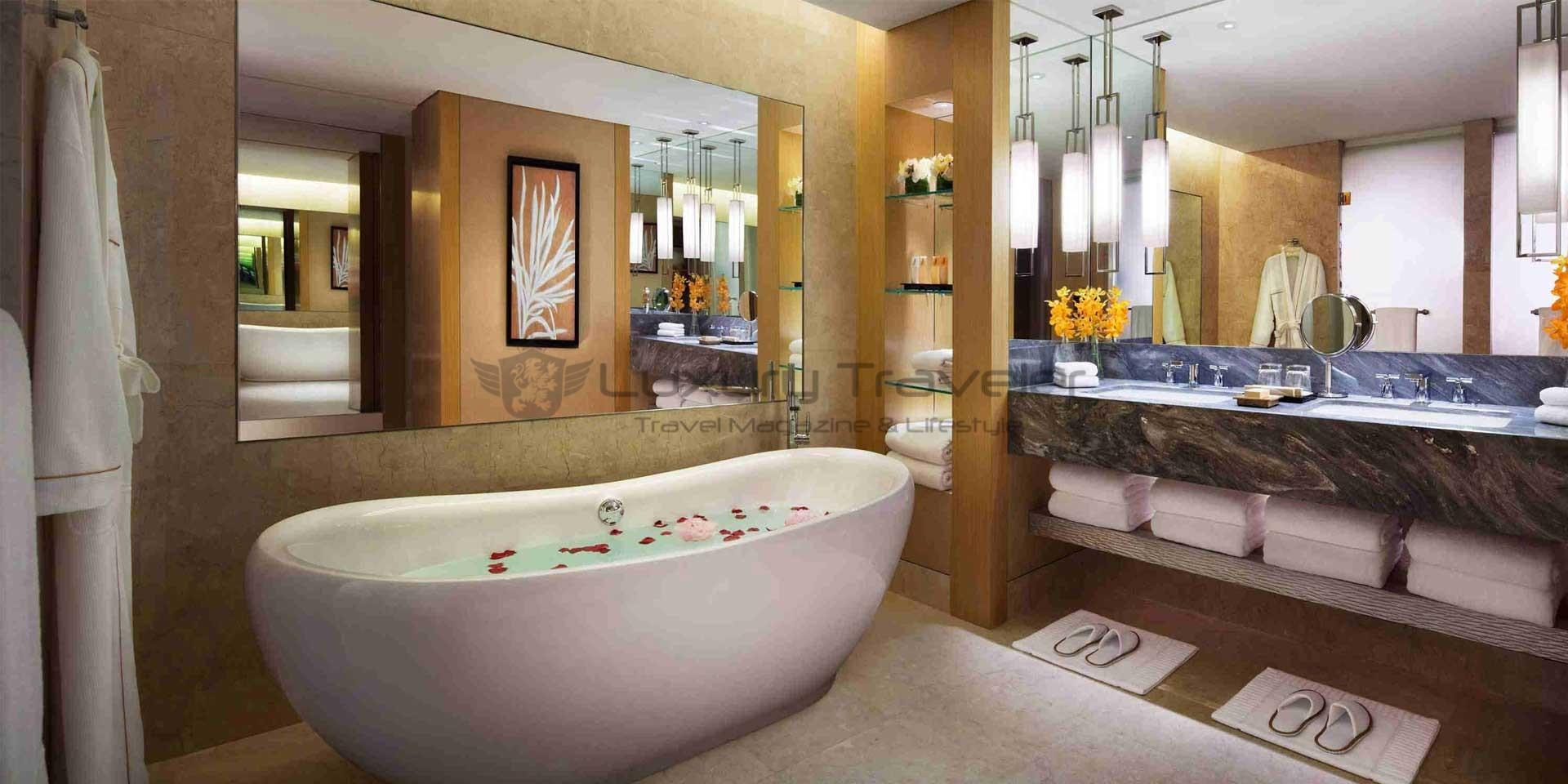 marina_bay_sands_singapore_Marina-Bay-Sands-bathroom_hotel