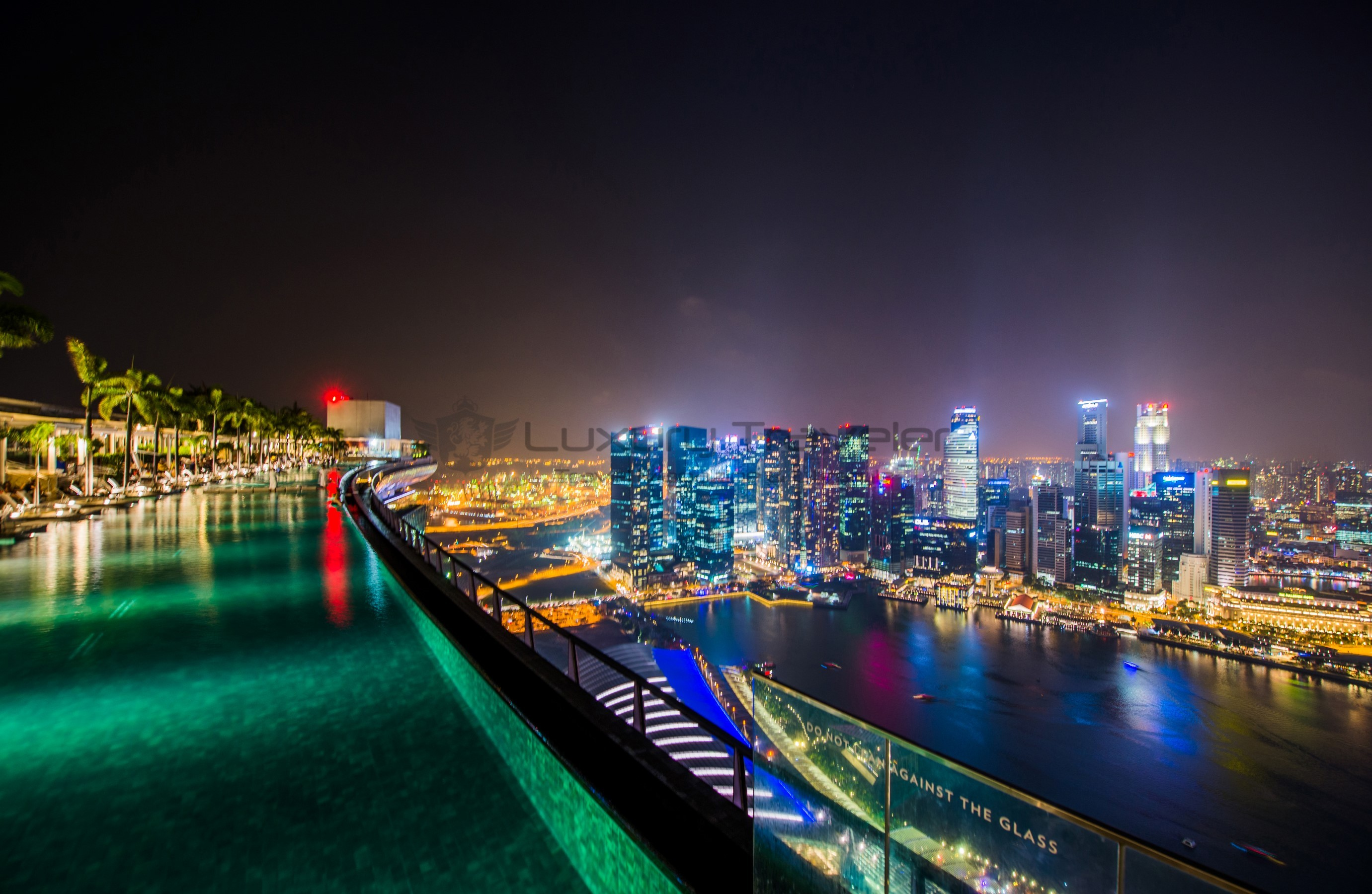 marina_bay_sands_singapore_infinity_pool_view_luxury_rooftop