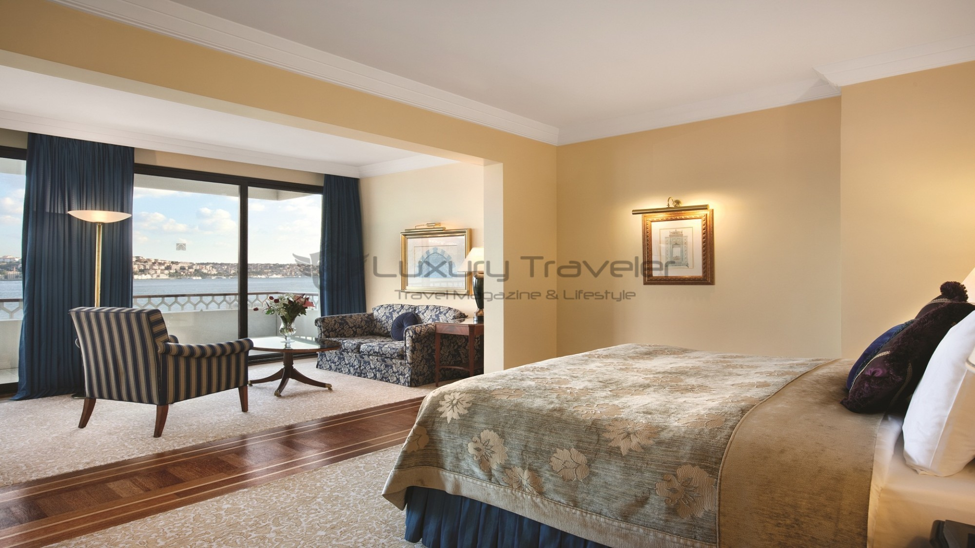 Four_Seasons_Bosphorus_Istanbul_Hotel_Grand_Deluxe_Rooms