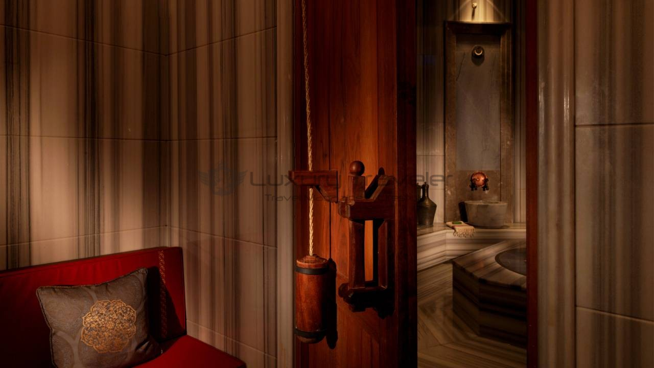 Four_Seasons_Bosphorus_Istanbul_Hotel_Luxury_SPA
