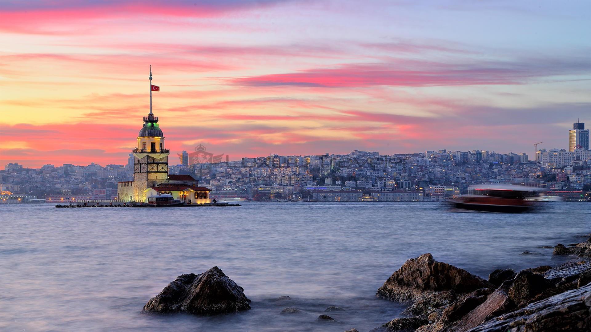 Four_Seasons_Bosphorus_Istanbul_Hotel_Maidens_Tower