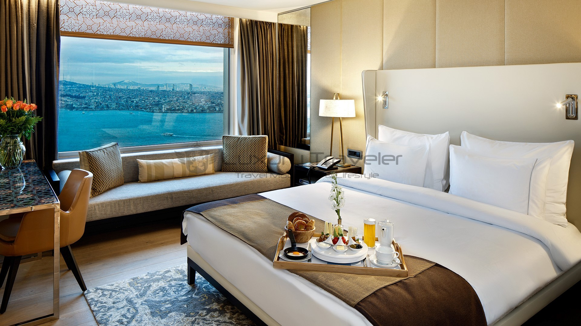 Four seasons hotel istanbul at the bosphorus luxury traveler for Four season rooms