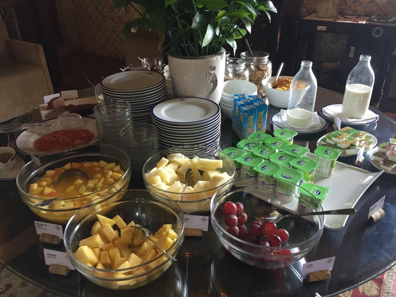 Obidos_Castle_Pestana_Hotel_Breakfast-pousada