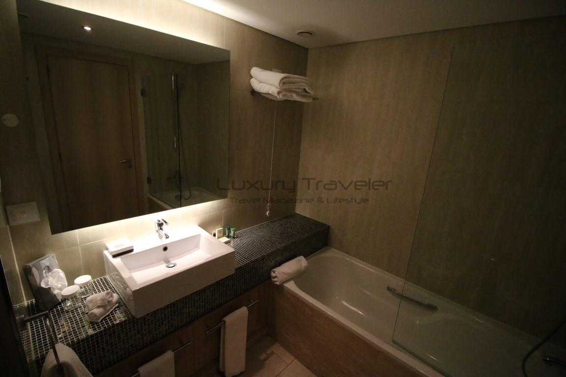 Hilton_Vilamoura_Algarve_Bathrooms