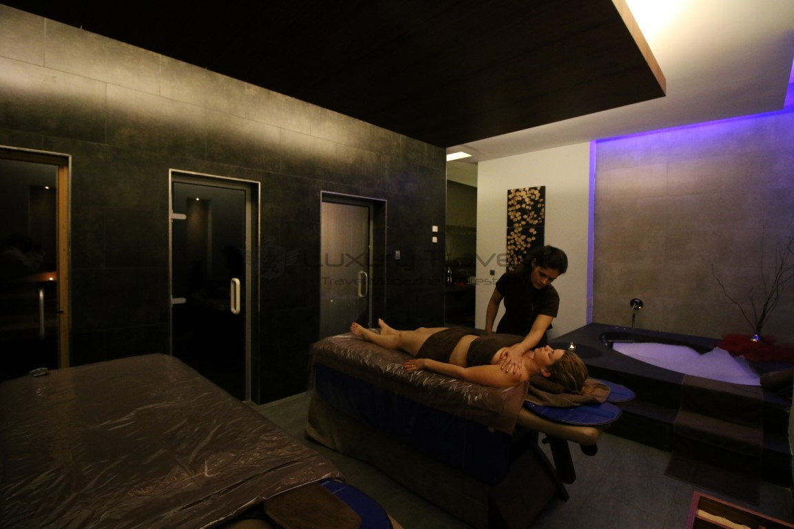 Hilton_Vilamoura_Seven_SPA_Massage