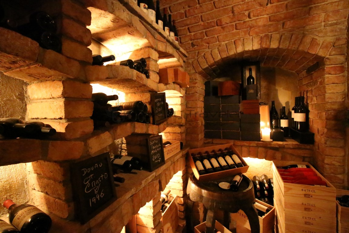 Dinner-Vila_Vita_Parc_Algarve_Restaurant_Wine_Cellar