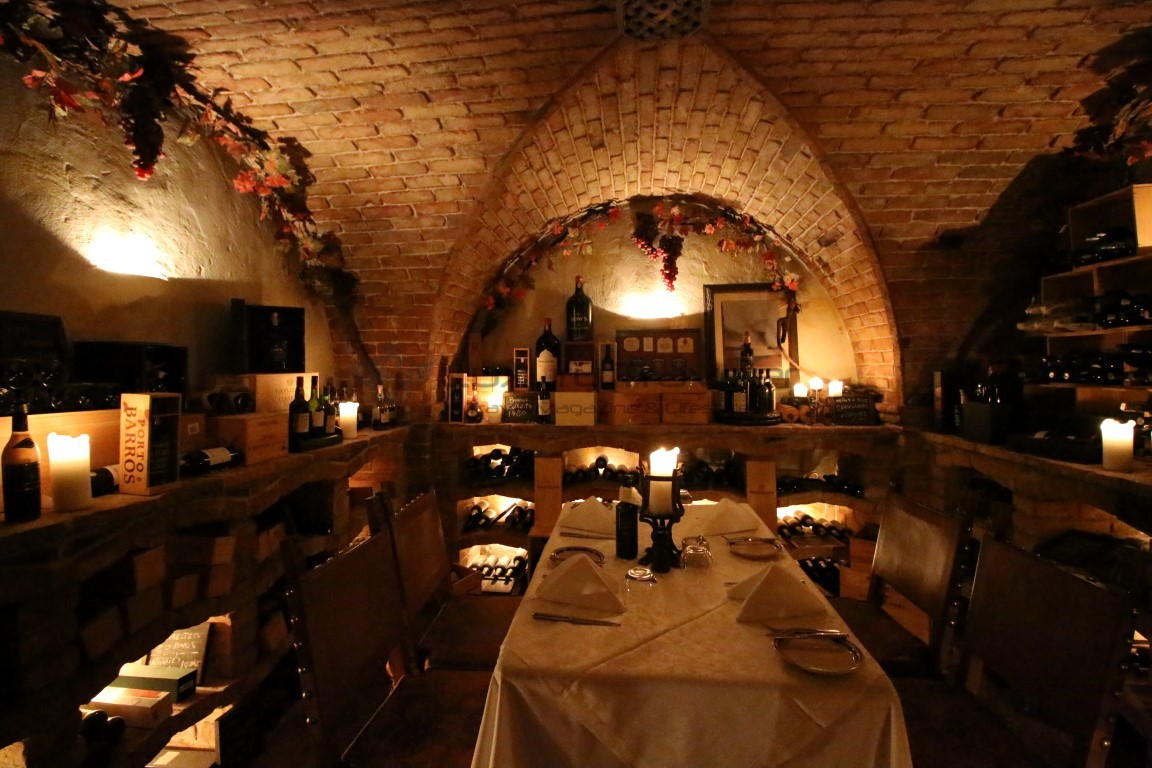 Vila_Vita_Parc_Restaurant_Algarve_Wine_Cellar
