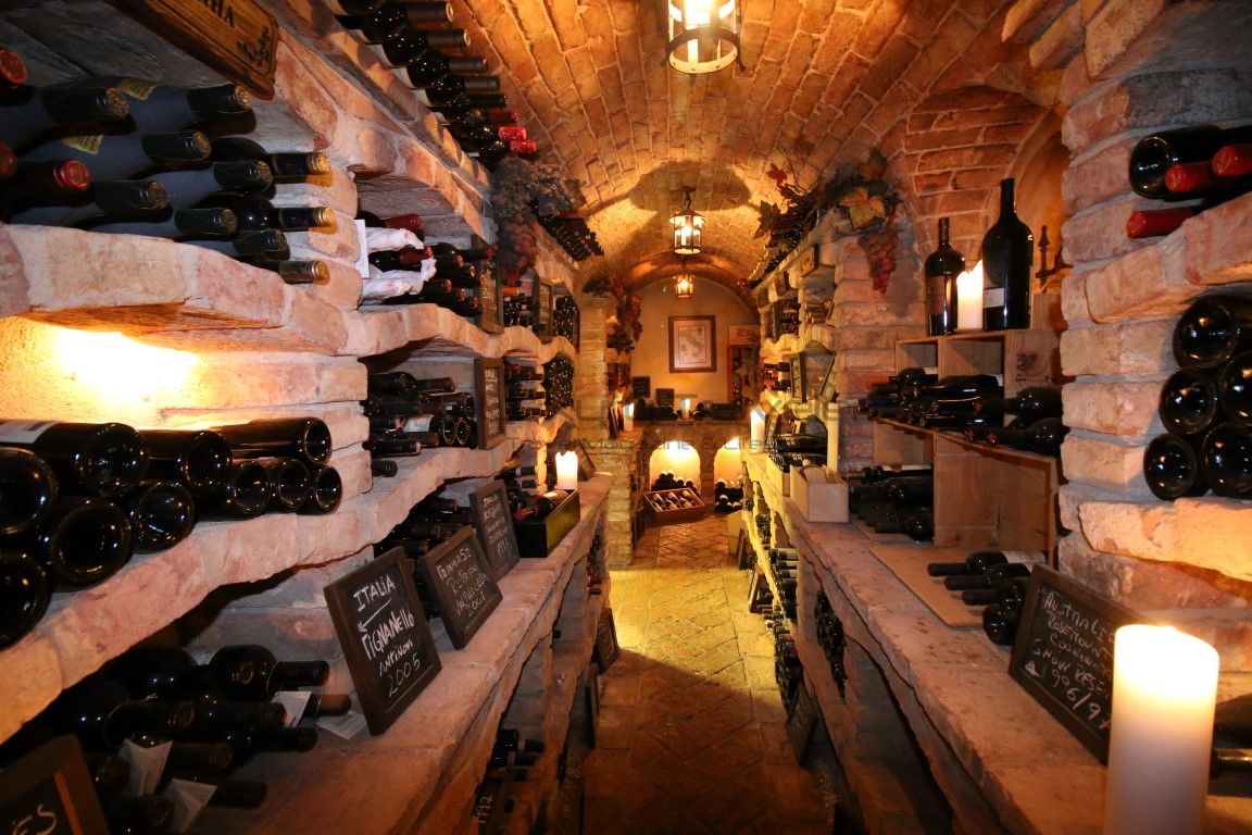 Vila_Vita_Parc_Algarve_Wine_Cellar_Portugal