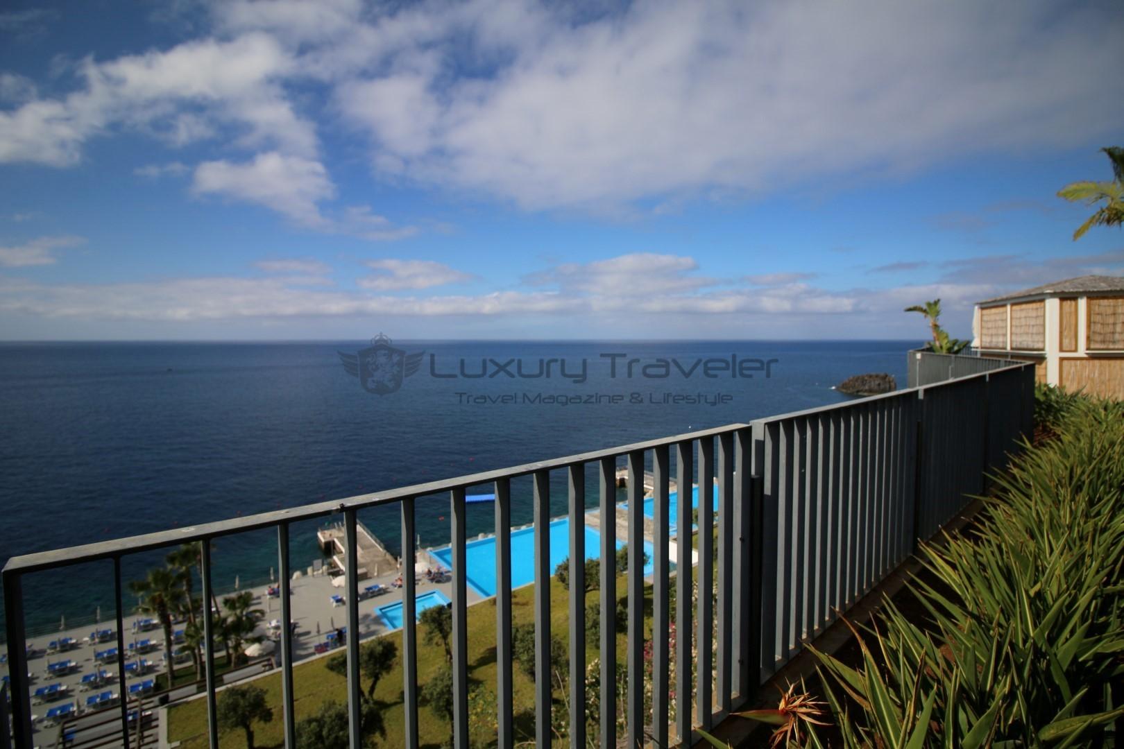 Vidamar_Madeira_Resort_Bedroom_View