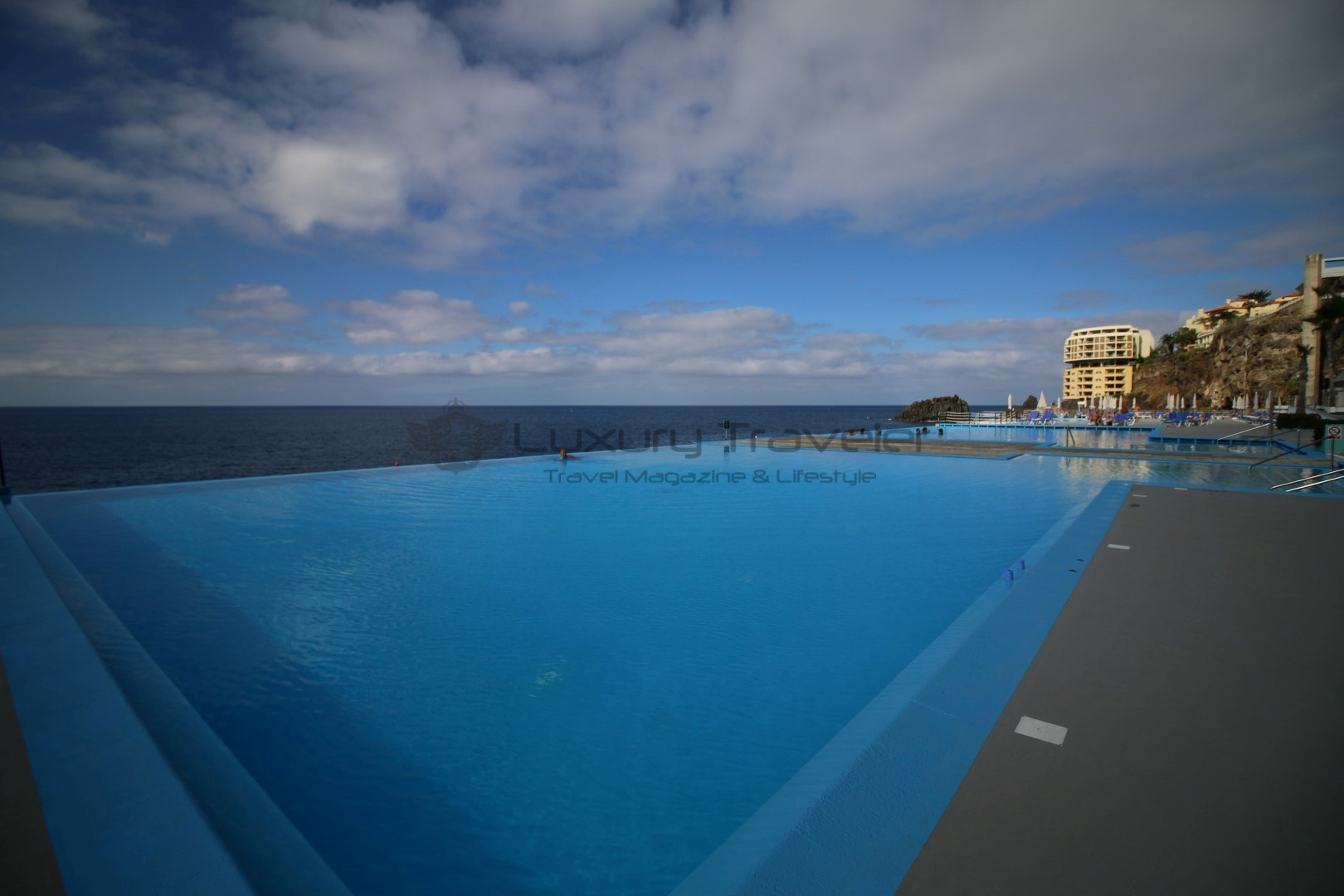 Vidamar_Madeira_Resort_Luxury_Pools