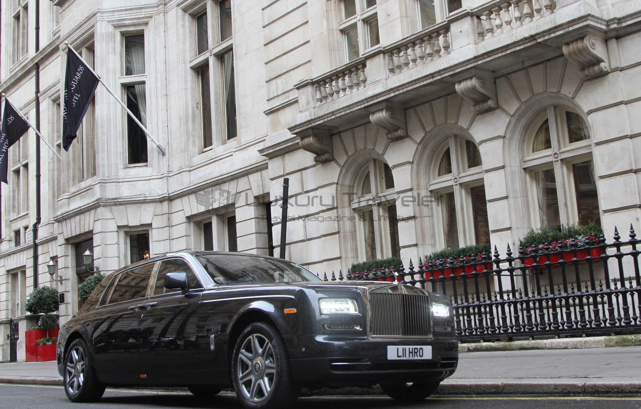 eg_chauffers_london_uk-rolls-royce-phantom-chauffeur