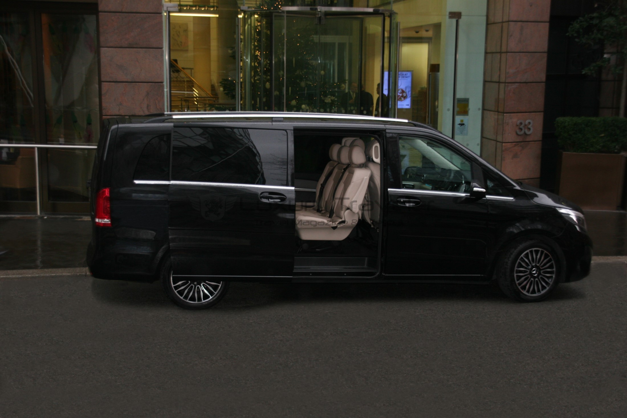 eg_chauffers_luxury_london_mercedes_transfers